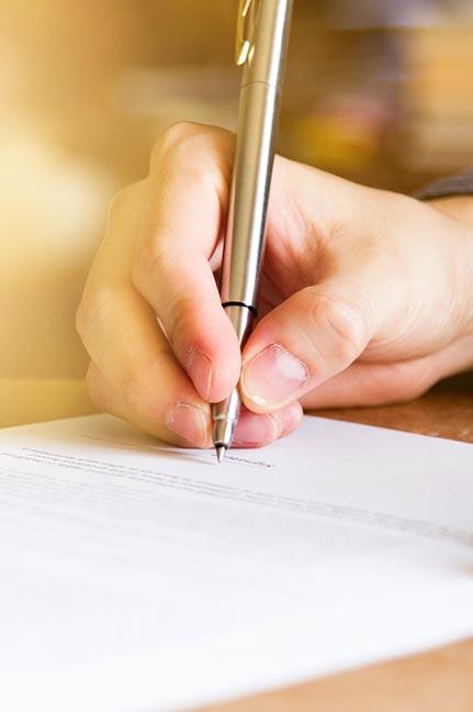 contratos-iStock-542327964